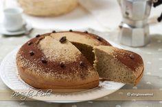 Torta al caffè soffice, una torta morbida al caffè per la colazione e la merenda. Un dolce per chi ama il caffè semplice e morbido. Torta facile e veloce