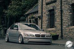 BMW e46 sedán