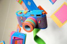 Objetos vintage: de papel!  trabalho da dupla francesa de designers Zim and Zou é simplesmente incrível! A partir de papéis coloridos, eles (re)inventam objetos que fizeram parte da infância de muita gente! Absolutamente encantador!