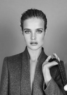 danslemondedemissga:  Natalia Vodianova for Stella McCartney...