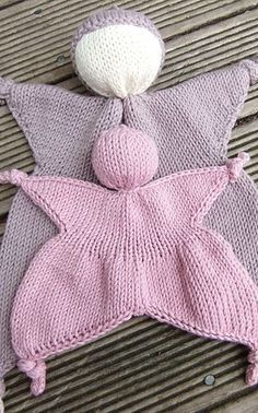 Knit this teething doll in Cotton-Ease for a toy that is safe for babies to put in their mouths. Pattern found on Ravelry by Mishi Designs.
