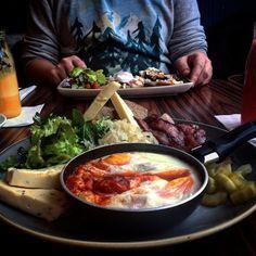 Śniadanie najlepszym posiłkiem dnia! #kraków #zenit #breakfast #ugryźmiasto #haveabitein @zenit_miodowa #foodporn