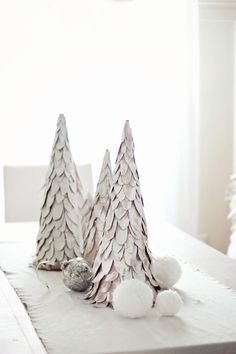 Hello friends and welcome ! Are you enjoying these Christmas tours as much as I am? Last week I shared with you a little bit of our home all dressed up for Christmas you can see it HERE. And today,...