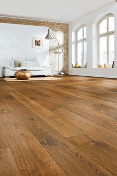 530148 haro parkett landhausdiele 4000 bernsteineiche sauvage strukturiert fase natur geoelt Best Picture For indigo Dye For Your Taste You are looking for something, and it is going to tell you ex Timber Flooring, Parquet Flooring, Laminate Flooring, Hardwood Floors, Parquet Haro, Wood Architecture, Home Renovation, Plank, Sweet Home
