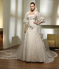 Pronovias, Piropo, Size 12 Wedding Dress For Sale Wedding Dress Pictures, Perfect Wedding Dress, Bridal Wedding Dresses, Wedding Attire, Beauty Pageant Dresses, Organza Bridal, Applique Wedding Dress, Wedding Ideas, Wedding Stuff