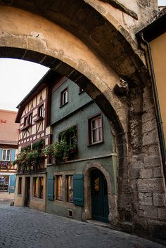Rothenburg o/Tbr my hometown Romantic Places, Beautiful Places, Places To Travel, Places To See, Medieval Village, Rothenburg Ob Der Tauber, Germany Castles, World View, Bavaria Germany