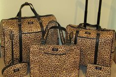 Google Afbeeldingen resultaat voor http://www.societystylist.com/wp-content/uploads/2009/09/Gigi-Hill-Leopard-Bags-1024x684.jpg