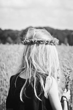Mussed and messy, tousled and textured, long, blonde, windblown locks encircled with flower crown. | via peaceloveandstyle.tumblr.com