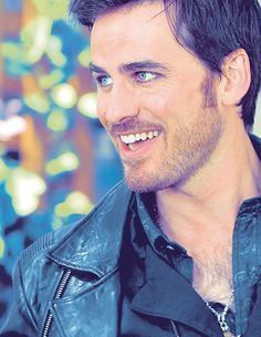 Colin O'Donoghue - Killian Jones -Captain Hook - Captain Swan - Once Upon A Time Killian Jones, Killian Hook, Captain Hook Ouat, Captain Swan, Emilie De Ravin, Outlaw Queen, Once Upon A Time, Hook And Emma, Colin O'donoghue