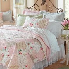 Shabby Chic Cottage Patchwork Pink Roses Rosebud Full Queen Quilt