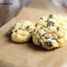 Chocolate Chip Gooey Butter Cookies is a delicious twist on gooey butter cake! Gooey Butter Cake, Butter Cookies Recipe, Gooey Cake, Peanut Butter, Gooey Chocolate Chip Cookies, Gooey Cookies, Chocolate Chips, Buttery Cookies, Chocolate Cookies