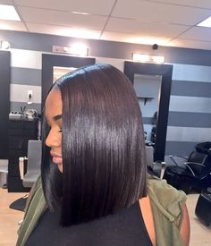 Blunt cut bob Weave bob Summerella ✨ Gotta love what you see? Like it ❤️, Pin it , and check out my page @Flowerjalo ♡, Follow Me ✔️ for daily updates on boards, or Follow A Board, thanks Hun ✨