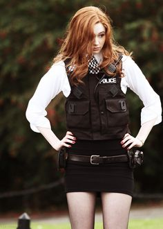 "Karen Gillan playing ""Amy Pond in ""Doctor Who"" Karen Gillan, Karen Sheila Gillan, Doctor Who, Eleventh Doctor, Whoville Hair, Dr Who Companions, Amy Pond, Celebs, Celebrities"