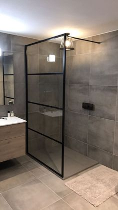 Excelente Douchewand www. Bathroom Design Small, Bathroom Layout, Bathroom Interior Design, Bathroom Styling, Design Kitchen, Kitchen Interior, Modern Interior, Bathroom Trends, Bathroom Renovations