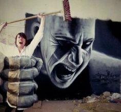 J'ai toujours été un fan del'art du graffiti, surtout si ce dernier est créatif et s'amuse avec le mobilier urbain. Le graffiti est souvent à l'image de vandalisme mais dans cert…