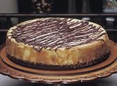 Creamy Peanut Butter Chip Cheesecake