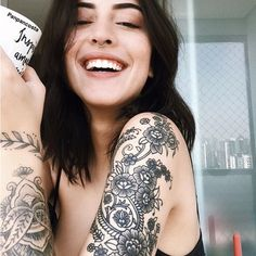 Description Colored hair and other amazing hairstyles and things i like. Sexy Tattoos, Unique Tattoos, Beautiful Tattoos, Body Art Tattoos, Girl Tattoos, Sleeve Tattoos, Tattoos For Women, Tatoos, Piercings