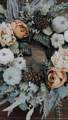 Diy Fall Wreath, Autumn Wreaths, Christmas Wreaths, Spring Wreaths, Outdoor Wreaths, Fall Arrangements, Fall Home Decor, Thanksgiving Decorations, Fall Pumpkins