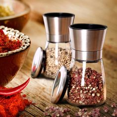A first-rate meal begins with adding just the right spices; get the SM Health Kitchen salt and pepper grinder set today and taste the difference!