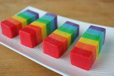 Not a fan of fudge but this looks cool Rainbow Treats, Rainbow Food, Taste The Rainbow, Rainbow Theme, Just Desserts, Delicious Desserts, Yummy Food, Fudge Recipes, Dessert Recipes
