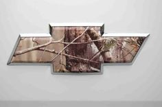 I'm usually not the biggest fan in camo on random stuff, but I got to say, this is pretty sweet, Lifted Chevy Trucks, Gmc Trucks, Chevy Silverado, Chevy Pickups, Camo Truck Accessories, Future Trucks, Future Car, Chevy Girl, Country Girls