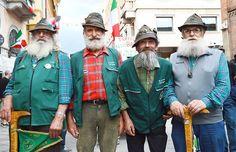 Alpini a Piacenza.. io c'ero! Aviano Italy, My Dad, Costumes, History, Photography, Climbing, War, Historia, Photograph