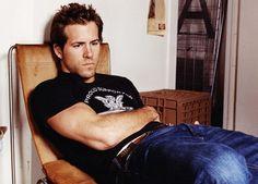 Ryan Reynolds, relaxed