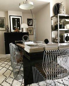 "MALENE BIRGER´S WORLD på Instagram: ""A CASA #home #office #studio #interior #art #italy @bertel.b"" Contemporary Decor, Modern Decor, Asian Decor, Transitional Decor, Moroccan Decor, French Decor, Eclectic Decor, Home Interior Design, House Design"