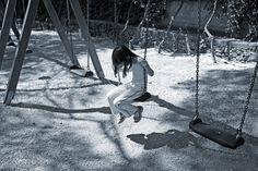 Meno male che ci sono i bambini a far sì che le cose non restino immobili, immutate. http://www.motelospiegoapapa.it/2016/05/03/omerta-caivano-per-abuso-al-parco-verde.html
