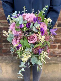 A natural style tear drop bridal bouquet Gardenia Wedding Flowers, Bridal Flowers, Funeral Flowers, Wedding Events, Floral Wreath, Bouquet, Wreaths, Drop, Natural