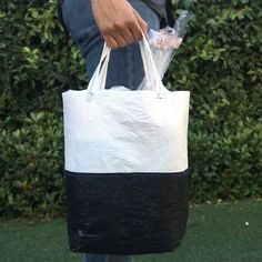 Turn Plastic Sacks Into A Recycled Tote