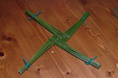 How to make a St Bridget's Cross | Irish Food Guide Blog ...