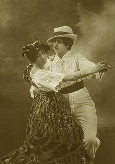 Vintage ladies dancing the tango 1920 - historical people are found in all walks of life & remembered for generations! Vintage Lesbian, Lesbian Love, Vintage Ladies, Ghost In The Machine, Tango Dress, Image Archive, Portraits, Women In History, Vintage Photos