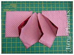 I have wanted to make a fabric origami candle mat for some time.fold n stitch wreath tutorialFunky fashion and hand made fabric goodies. Sewing Lessons, quilting lessons and a variety of All You Need kits and instructions for sewing projects. Quilting Tutorials, Quilting Projects, Sewing Tutorials, Sewing Crafts, Sewing Projects, Fabric Crafts, Christmas Sewing, Primitive Christmas, Christmas Crafts