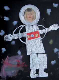Astronaut craft made from Kitchen foil, buttons, photo, clear lid, coloured card and soft pastel. (cool crafts for kids) Space Crafts For Kids, Space Preschool, Space Activities, Preschool Crafts, Preschool Activities, Art For Kids, Space Kids, Astronaut Craft, Space Solar System
