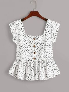 To find out about the Plus Heart Print Button Front Ruffle Trim Peplum Blouse at SHEIN, part of our latest Plus Size Blouses ready to shop online today! Peplum Blouse, Blouse Outfit, Peplum Tops, Dress Shirt, Fashion News, Fashion Outfits, Fashion Styles, Girl Fashion, Mode Top