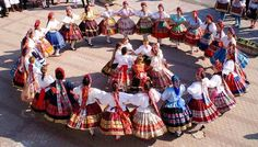"Hungarian folk dance A ""szer"""