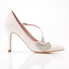 Emmy Shoes ~ Beautiful Wedding Shoes, Belts, Bags and Headpieces - Love My Dress Wedding Blog