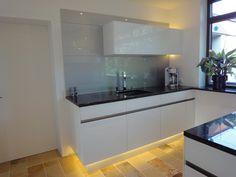 Küchen Design, Interior Design, Kitchen Island, Kitchen Cabinets, Home Decor, Stylish Kitchen, Nest Design, Island Kitchen, Decoration Home