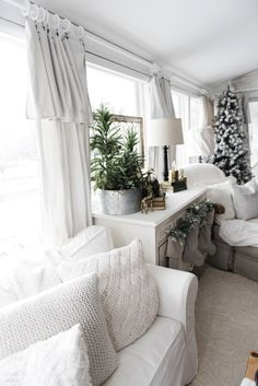 DIY drop cloth curtains - A simple & easy way to add farmhouse and cottage style curtains to any room on a budget! A great pin for farmhouse and cottage style decor inspiration! Drop Cloth Curtains, Cheap Curtains, Green Curtains, Diy Curtains, Curtains Living, Canvas Curtains, Short Curtains, Double Curtains, Striped Curtains