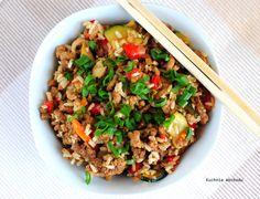 Smażony ryż z wołowiną i warzywami