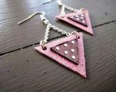 """Boucles d'oreille """"géométrique"""" en cuir et strass. : Boucles d'oreille par mandilo"""