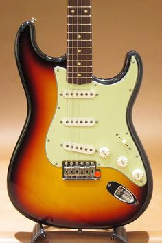 Fender Custom Shop Masterbuilt 1961 Stratocaster 3CS Closet Classic by Mark Kendrick 2001 (中古)【楽器検索デジマート】