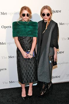 Mary-Kate Olsen and Ashley Olsen: Style File Mary Kate Ashley, Mary Kate Olsen, Elizabeth Olsen, Ashley Olsen Style, Olsen Twins Style, Olsen Fashion, Star Fashion, Women's Fashion, Fashion Ideas