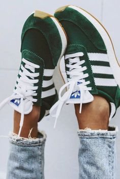 Adidas Shoes OFF!>> Trendy Adidas Sneakers for Women Mode Adidas, Adidas Iniki, Black Adidas, Shoes Adidas, Adidas Running Shoes, Old School Adidas Shoes, Cute Running Shoes, Running Girls, Running Sneakers