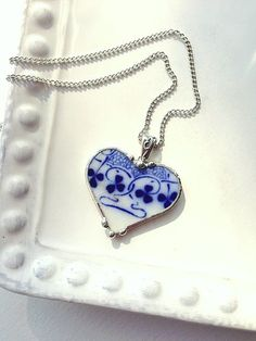 Broken China Jewelry Heart Pendant necklace antique flow blue clover shamrock china