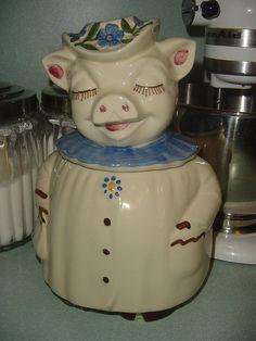 Shawnee Winnie Cookie Jar
