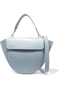 f81251a21e209 Hortensia Schultertasche aus Leder von Wandler.  bags  handtasche  wandler  Taschen Nähen