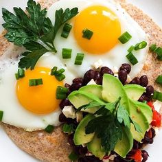 Via @FitGirlsGuide ☀️ . We would be okay waking up to this every morning for forever! #BrekkieTostada Recipe from #FitGirlsCook @lexiegetshealthy #FitGirlsGuide