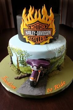 Take a look at some of the coolest biker birthday cakes around. Props to all the cake artists who made these kick-ass cakes. Torta Harley Davidson, Harley Davidson Birthday, Fancy Cakes, Cute Cakes, Pink Cakes, Beautiful Cakes, Amazing Cakes, Biker Birthday, Motorcycle Cake